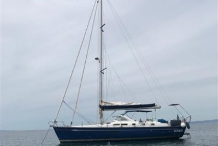 Beneteau Oceanis 42 CC for sale in Italy for €85,000 (£72,889)