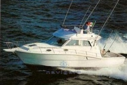 Ferretti 34 Fish for sale in Italy for €35,000 (£29,952)