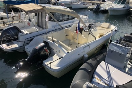 Jeanneau Cap Camarat 635 CC for sale in France for €14,900 (£12,821)