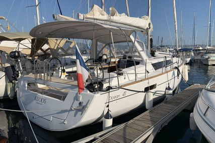 Beneteau Oceanis 41 for sale in France for €159,900 (£134,890)