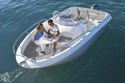 Jeanneau Cap Camarat 5.5 Center Console - Series 2 for sale in United Kingdom for £32,900