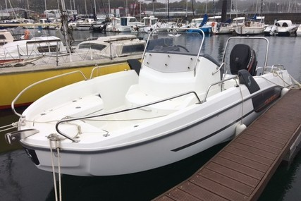 Beneteau Flyer 6.6 Spacedeck for sale in France for €34,900 (£29,981)
