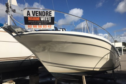 Jeanneau Cap Camarat 7.5 Cc for sale in France for €39,900 (£34,437)