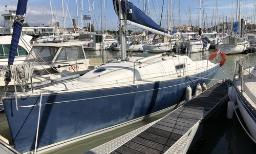Image of Jeanneau Sun 2500 Lifting Keel for sale in France for €16,500 (£14,913) La Rochelle, , France