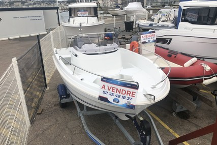 Jeanneau Cap Camarat 5.5 CC serie 2 for sale in France for €34,990 (£31,797)