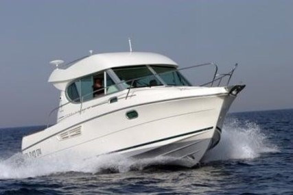 Jeanneau Merry Fisher 805 for sale in France for €30,000 (£26,328)