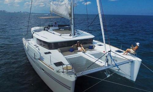 Image of Lagoon 450 for sale in Bahamas for $589,000 (£457,838) Nassau, Bahamas
