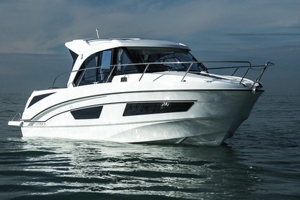 Beneteau Antares 9 for sale in Italy for €110,000 (£98,443)
