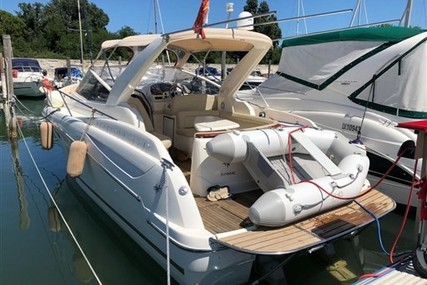 Jeanneau Prestige 30 S for sale in Italy for €70,000 (£61,657)