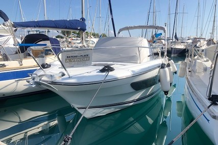 Jeanneau Cap Camarat 7.5 WA for sale in France for €65,000 (£55,932)