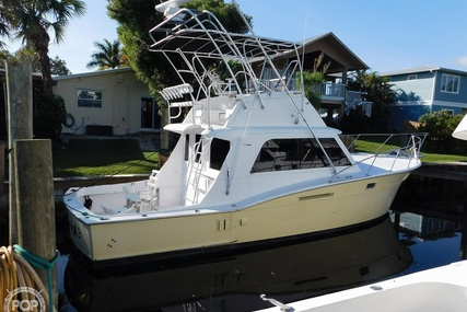 Hatteras 36 Convertible for sale in United States of America for $45,900 (£36,902)