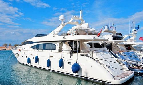 Image of Azimut Yachts 85 for sale in Italy for €695,000 (£628,192) Italy