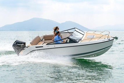 Quicksilver 675 ACTIV CRUISER for sale in Germany for €63,900 (£53,972)