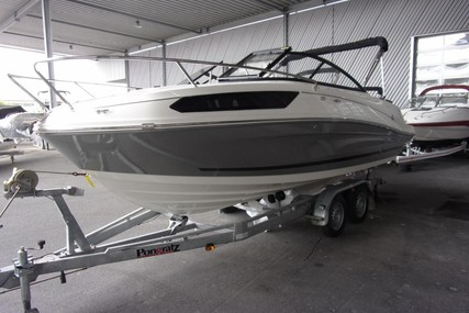 Bayliner VR5 CUDDY CUDDY for sale in Germany for €58,900 (£49,687)