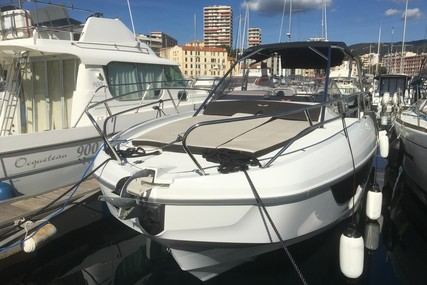 Beneteau Flyer 8.8 Sundeck for sale in France for €107,500 (£96,236)