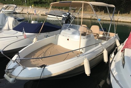 Jeanneau Cap Camarat 5.5 CC Style for sale in France for €16,500 (£14,120)