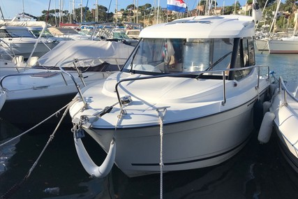 Jeanneau Merry Fisher 605 for sale in France for €28,000 (£23,962)