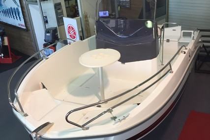 Beneteau Flyer 5.5 Spacedeck for sale in France for €29,500 (£24,848)