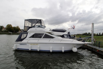 Sea Ray 340 Sedan Bridge for sale in Netherlands for €39,500 (£32,947)