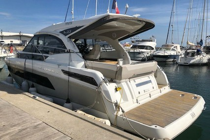 Jeanneau Leader 33 for sale in France for €218,000 (£186,023)