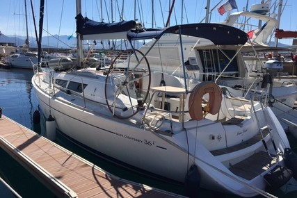 Jeanneau Sun Odyssey 36i for sale in France for €58,000 (£48,853)