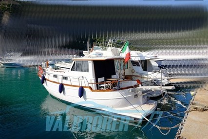 Menorquin 100 for sale in Italy for €90,000 (£76,035)
