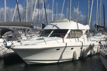 Jeanneau Prestige 32 for sale in France for €82,500 (£68,851)