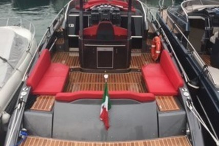 Need Yacht 32 - COLORE GRIGIO for sale in Italy for €165,000 (£147,712)