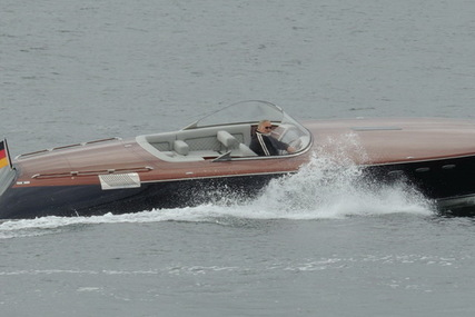 Runabout 33 Classic for sale in Germany for €200,000 (£179,045)