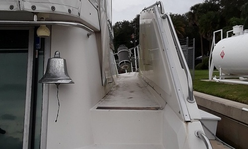 Image of Cruisers Yachts 4280 Express Bridge for sale in United States of America for $54,500 (£41,783) Sanford, Florida, United States of America
