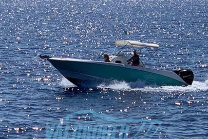 Boston Whaler 27 Outrage for sale in Italy for €58,000 (£49,003)
