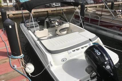 Bayliner VR5 Deckboat for sale in United States of America for $29,900 (£22,986)
