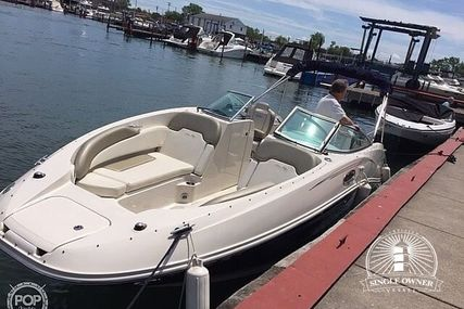 Sea Ray 260 Sundeck for sale in United States of America for $35,700 (£27,321)