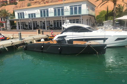 Frausher 1017 Lido for sale in Spain for €275,000 (£242,225)