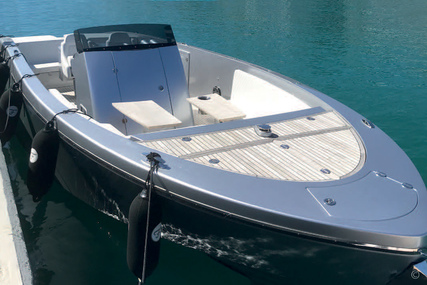 Frauscher 1017 Lido for sale in Spain for €305,000 (£254,402)