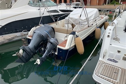 Jeanneau Cap Camarat 7.5 WA for sale in Italy for €39,000 (£32,425)