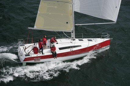 Jeanneau Sun Fast 3200 for sale in France for €83,000 (£69,603)