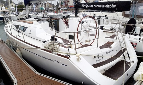 Image of Jeanneau Sun Odyssey 36i for sale in France for €49,900 (£41,777) VANNES, VANNES, France