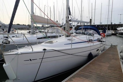 Bavaria Yachts 37 Cruiser for sale in France for €35,000 (£29,465)