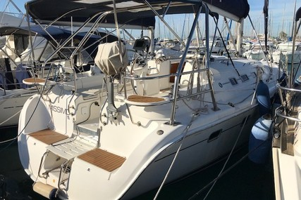 Hunter 38 for sale in France for €68,900 (£58,978)