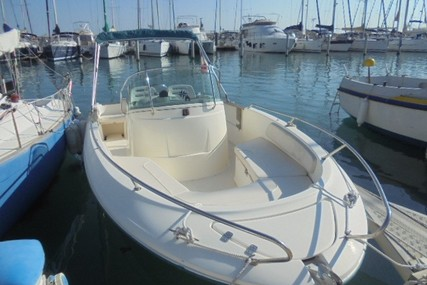 Jeanneau Cap Camarat 625 for sale in France for €16,000 (£13,693)