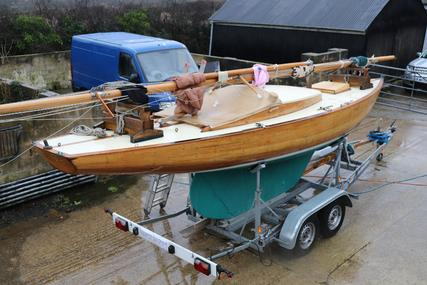 Custom Varnished Classic Dayboat for sale in United Kingdom for £10,950