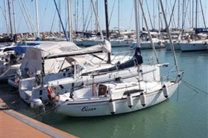 Nautivela Oscar 70 for sale in Italy for €7,000 (£6,380)