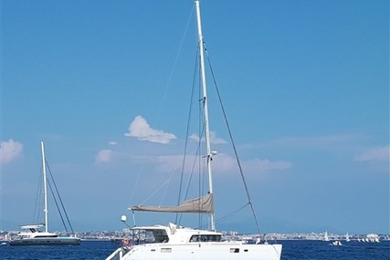 Lagoon 440 for sale in France for €300,000 (£255,380)