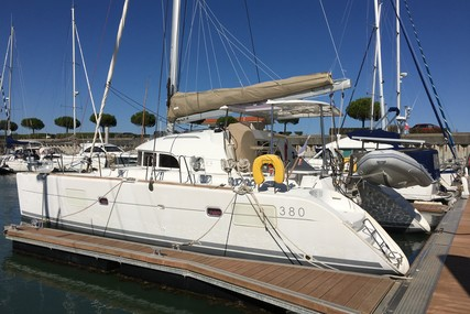 Lagoon 380 for sale in France for €224,000 (£189,389)