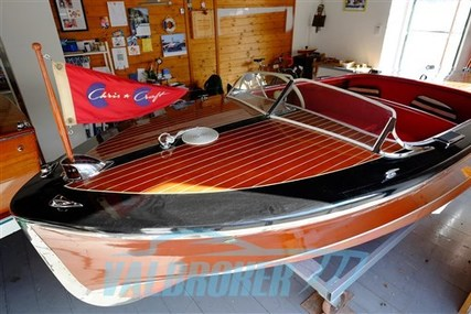 Chris-Craft wood for sale in Italy for €41,000 (£34,587)