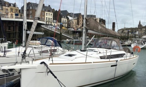 Image of Jeanneau Sun Odyssey 389 for sale in France for €143,000 (£128,138) Le Havre, , France