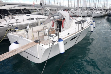 Cobra 38 for sale in Croatia for €115,000 (£105,413)