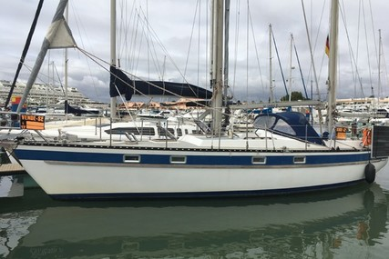 Hallberg-Rassy 38 for sale in Portugal for €55,000 (£46,867)