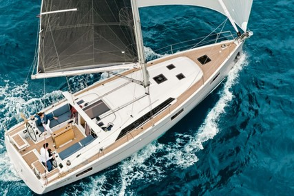Beneteau Oceanis 41.1 for sale in France for €239,000 (£201,206)